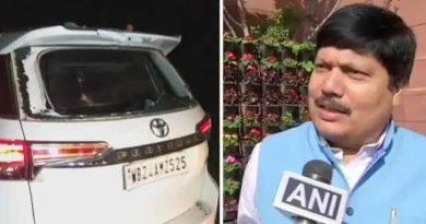 TMC कार्यकर्ताओं ने उनकी कार को तोड़ दिया,BJP सांसद अर्जुन सिंह का आरोप