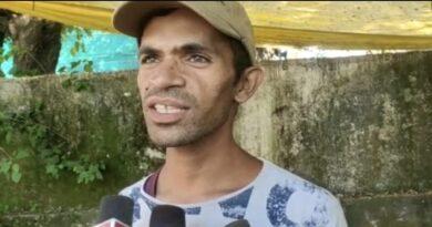बिजली चोरी की शिकायत पर गांव पहुंचे कनिष्ठ अभियंता की चप्पल से हो गई पिटाई चोरी की बिजली से चला रहे थे थ्रेसर,चार लोगों पर मामला दर्ज